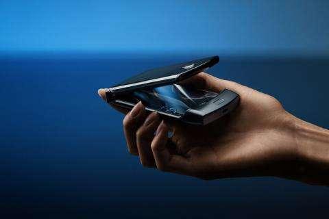 Los móviles tipo concha han vuelto: Motorola presenta el Razr plegable que costará 1.500 dólares | Tecnología – ComputerHoy.com