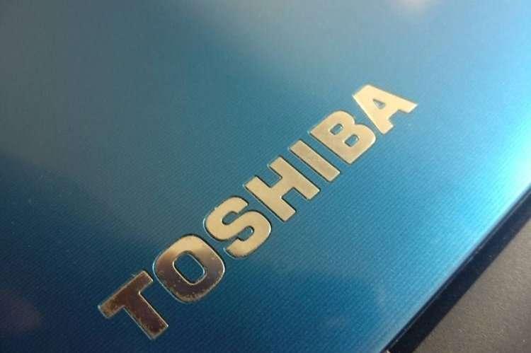 Instalación SSD Toshiba L50